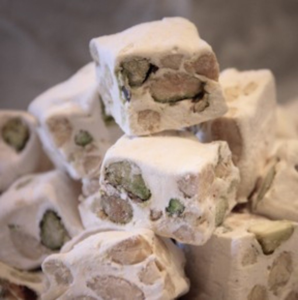 Nougat Makes a White Christmas