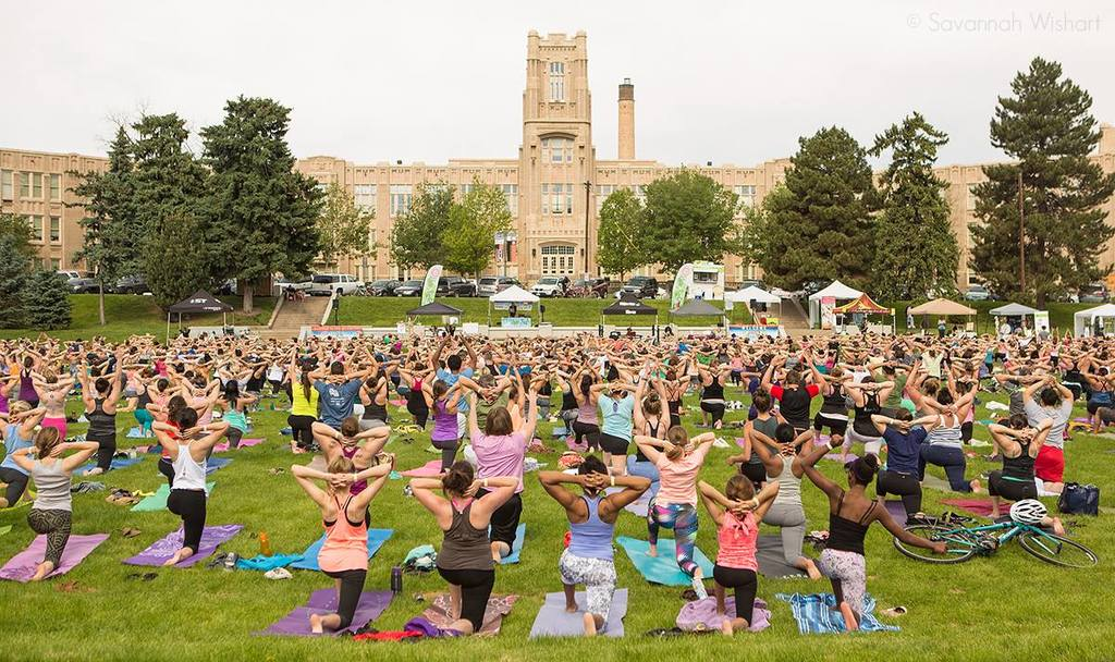 Yoga rocks the park 2016