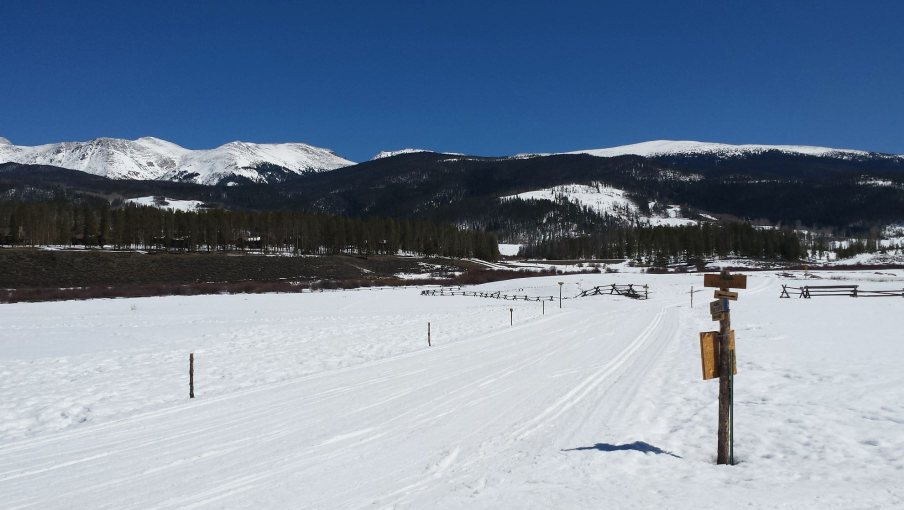 Skijoring, Devils Thumb Ranch