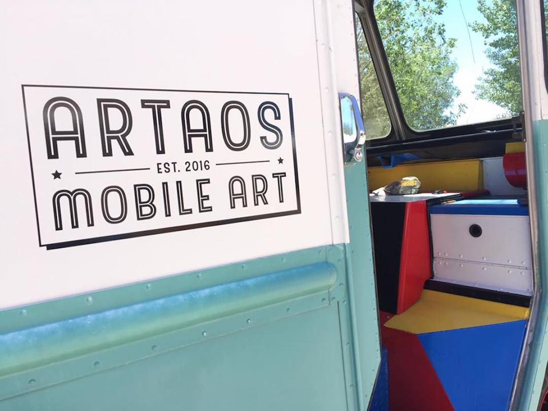 ARTAOS, mobile art gallery
